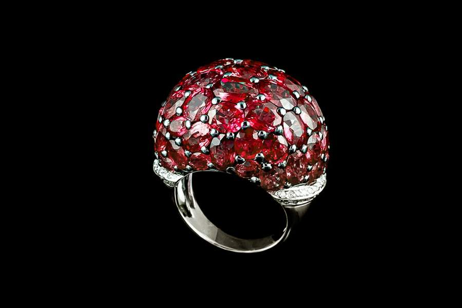 Mj Luxury Rings Amp Jewelry Made Of Gold Platinum Diamonds Amp Other Gems
